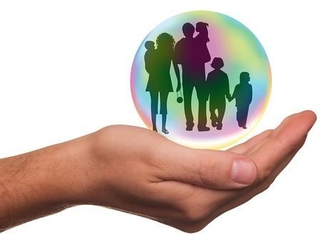 Contratar un seguro de vida es hasta un 50% más caro en un banco que en una compañía de seguros