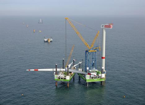 ¿Podría ser la energía eólica marina la clave para ayudar a España a mantener sus recursos naturales?