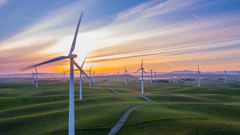 El grupo Soluciones Reunidas refuerza su presencia en el sector eólico con la compra de la empresa Ronergy