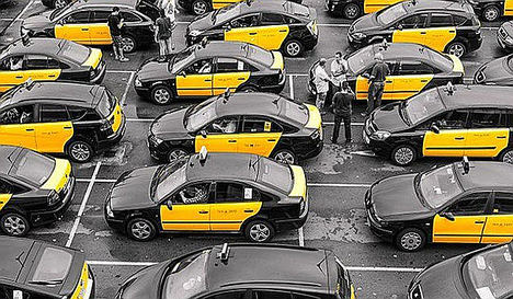 El conflicto entre el Taxi y las VTC revela la incompetencia de los populistas y separatistas que mal gobiernan Barcelona y Cataluña
