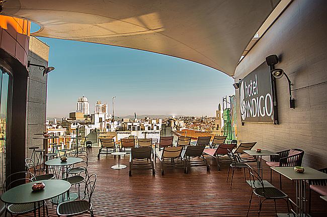 Refréscate Este Verano En La Nueva Terraza Del Hotel Indigo