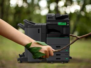 Toshiba elimina el desperdicio de toneladas de hojas en las oficinas con el primer multifuncional del mercado capaz de borrar el papel impreso
